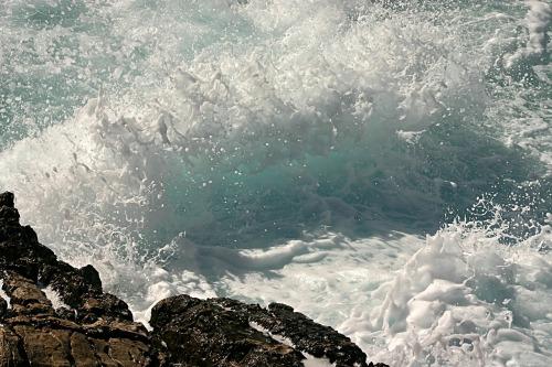 waves-79386_1280